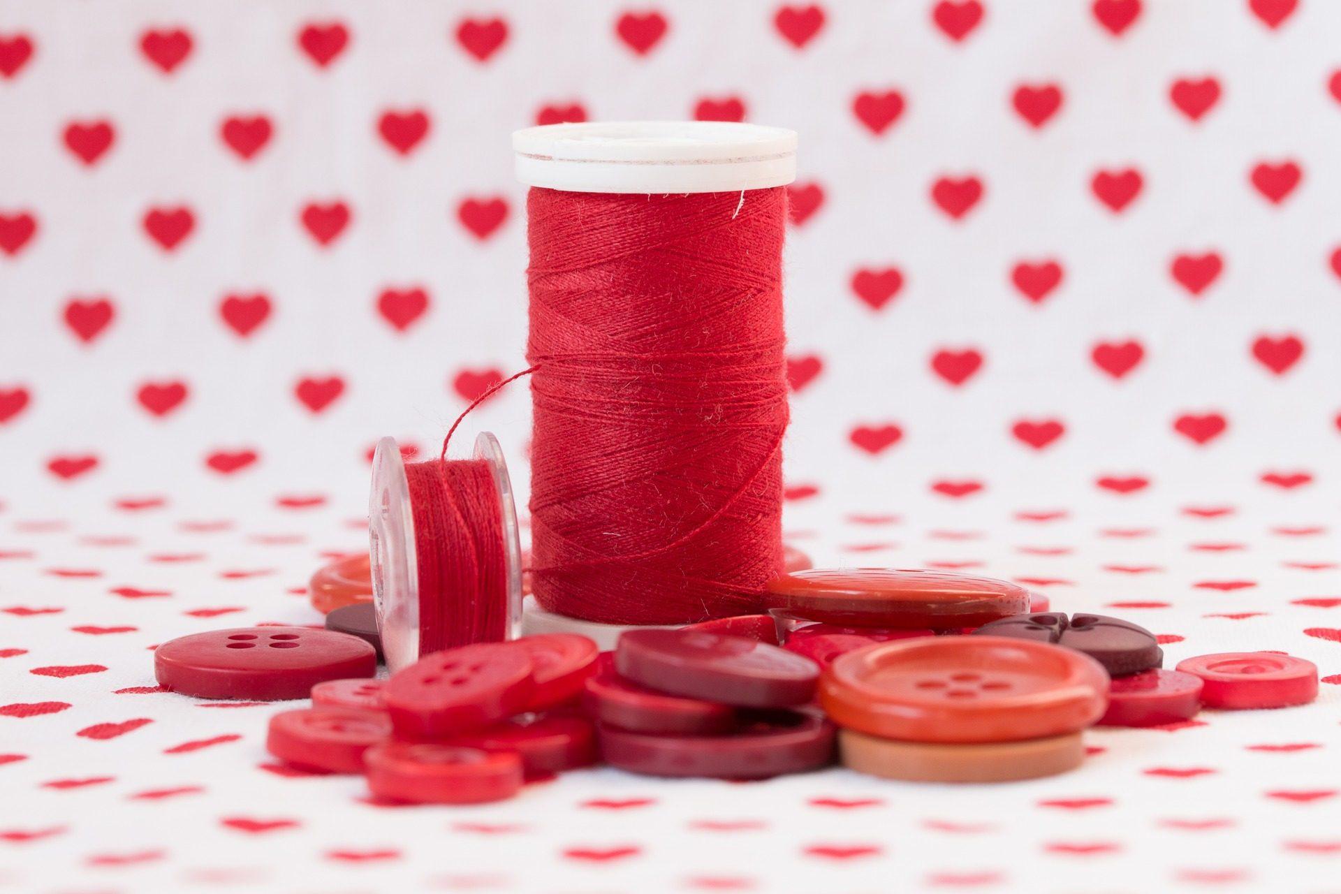 hilo, carretes, bobina, botones, corazones, rojo - Fondos de Pantalla HD - professor-falken.com