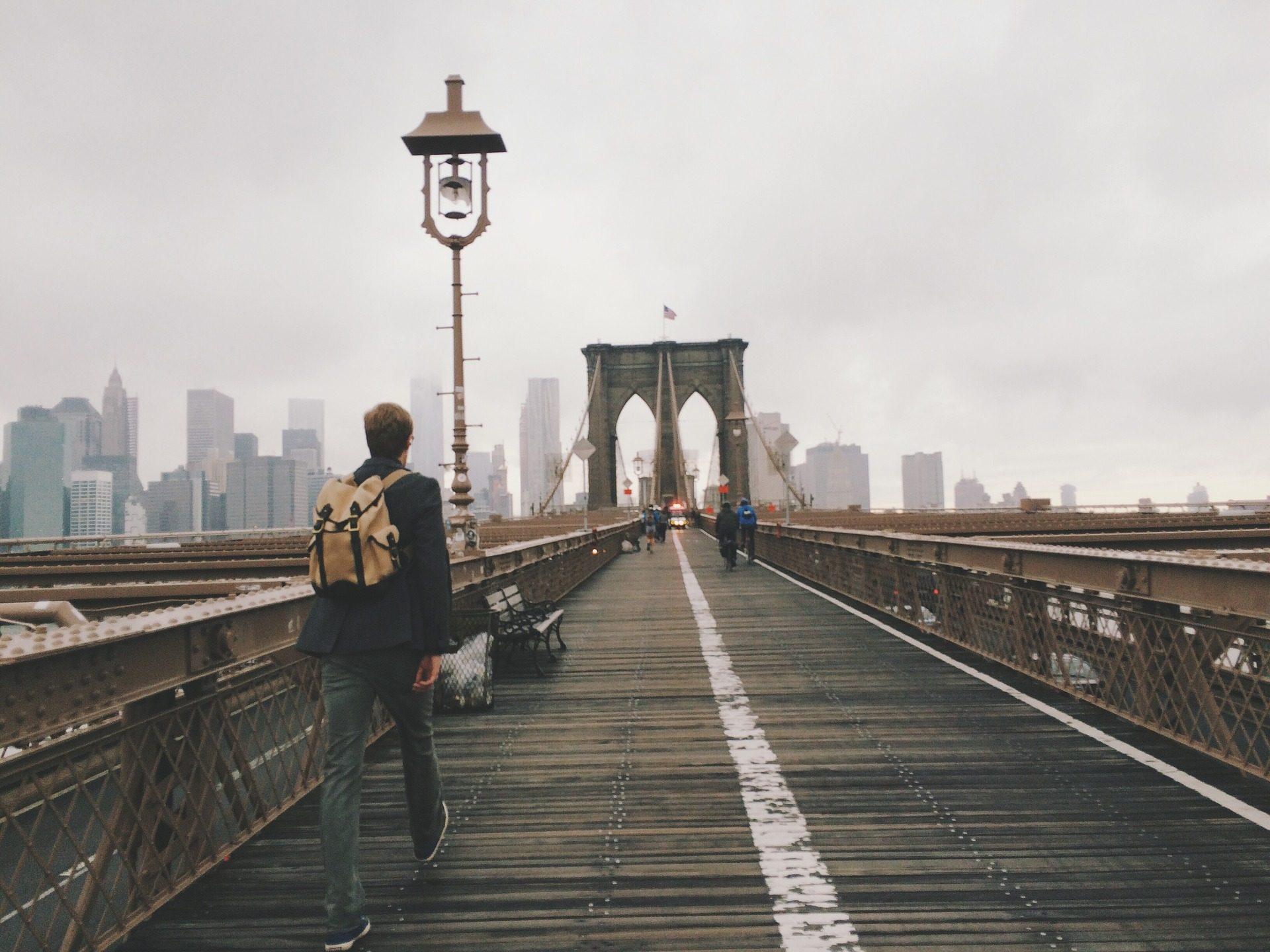 человек, Рюкзак, мост, Город, Бруклин, Нью-Йорк - Обои HD - Профессор falken.com