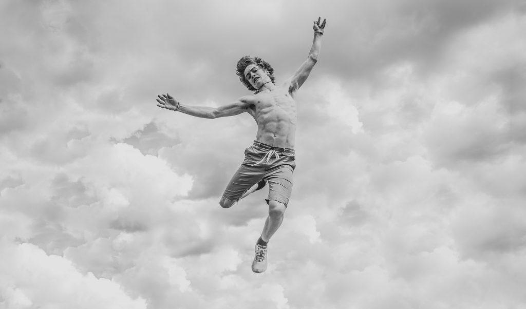 男子, 跳转, torso, músculos, 在黑色和白色, 1804180833