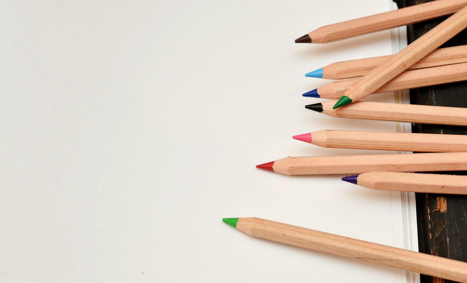 Matite, colori, legno, carta, foglie - Sfondi HD - Professor-falken.com