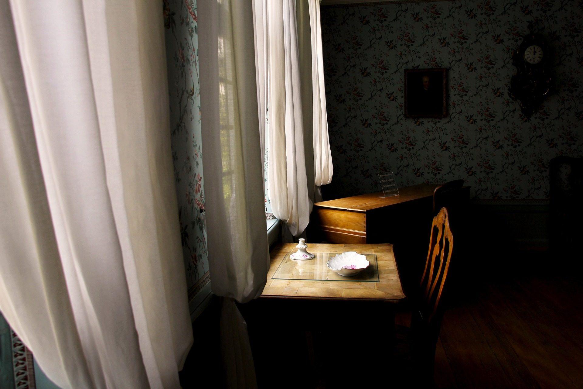 Tabelle, Schreibtisch, Stuhl, Fenster, Vorhänge, Tablett - Wallpaper HD - Prof.-falken.com