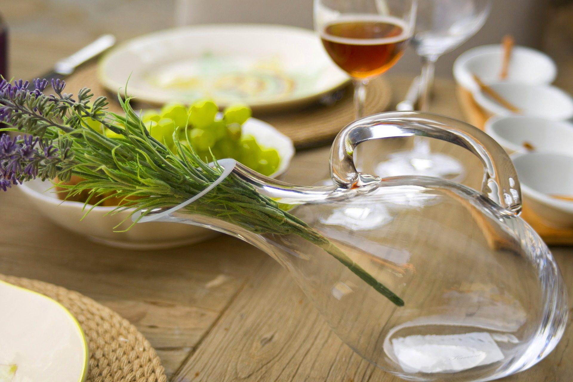 tavolo, legno, vaso, Cristallo, fiori, piatti, tazze - Sfondi HD - Professor-falken.com