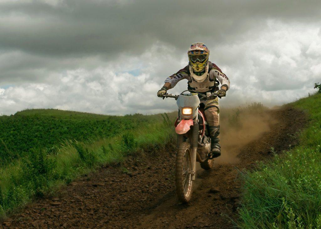 摩托车、 自行车, 摩托车越野赛, 道路, 地球, 泥浆, 天空, 云彩, 1804281350