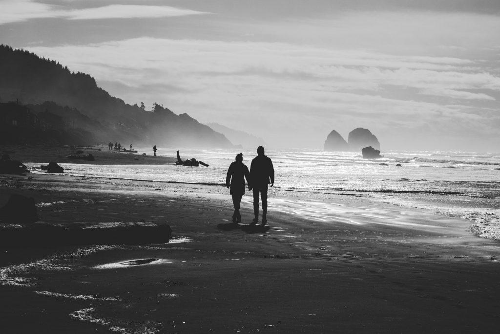 夫妇, 海滩, 骑, 海岸, 海, 在黑色和白色, 1804191809