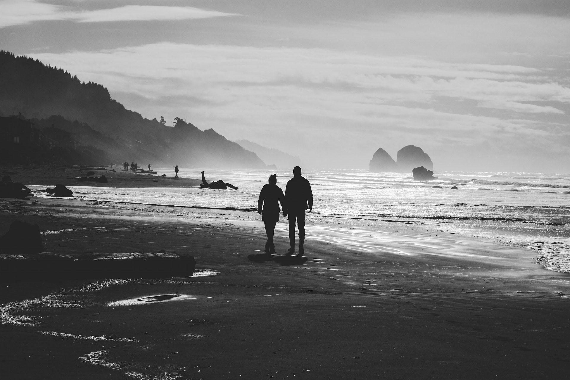 coppia, Spiaggia, corsa, Riva, Mare, in bianco e nero - Sfondi HD - Professor-falken.com