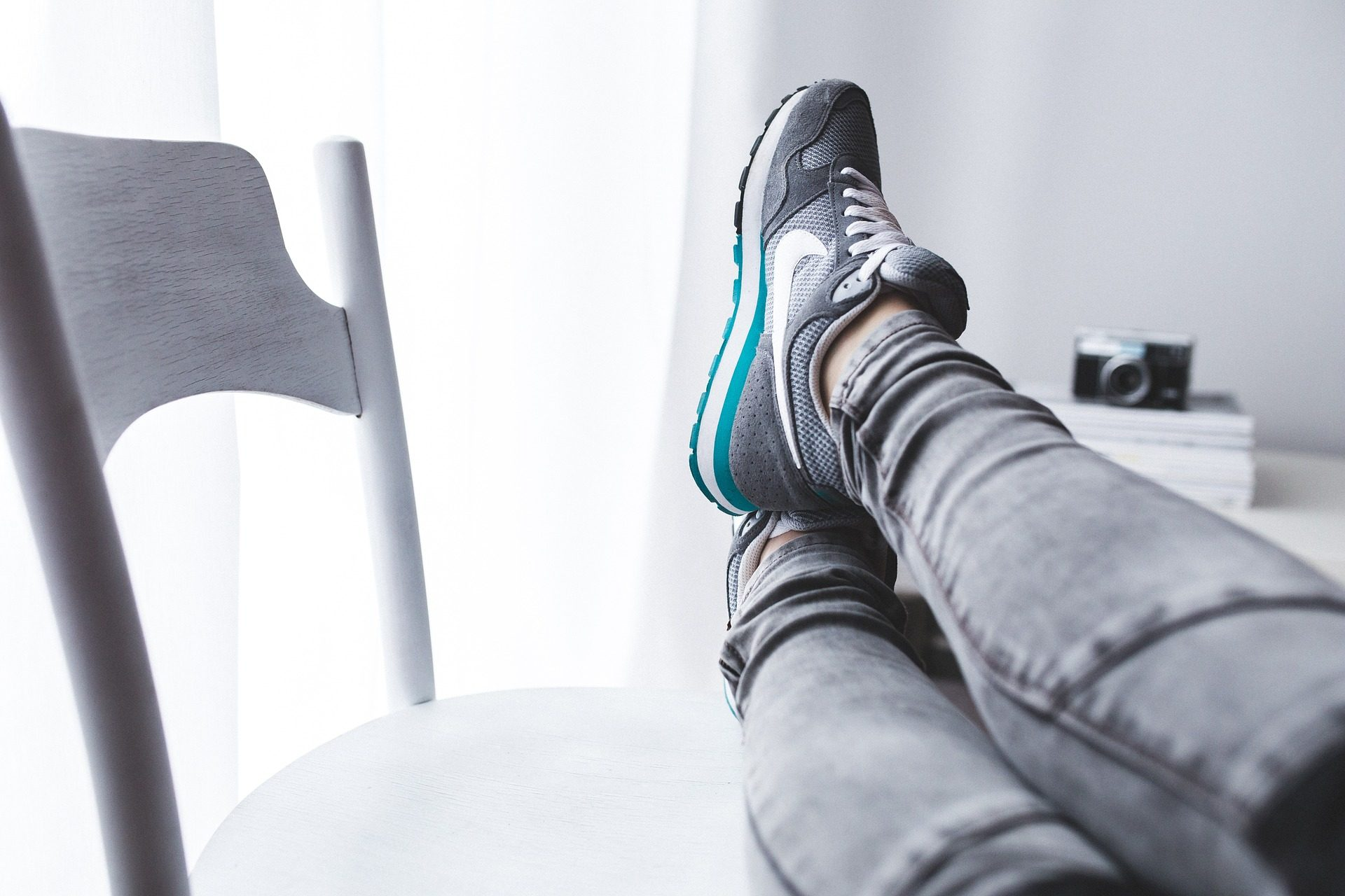 双腿, 拖鞋, 体育, 椅子, 休息, 放松 - 高清壁纸 - 教授-falken.com