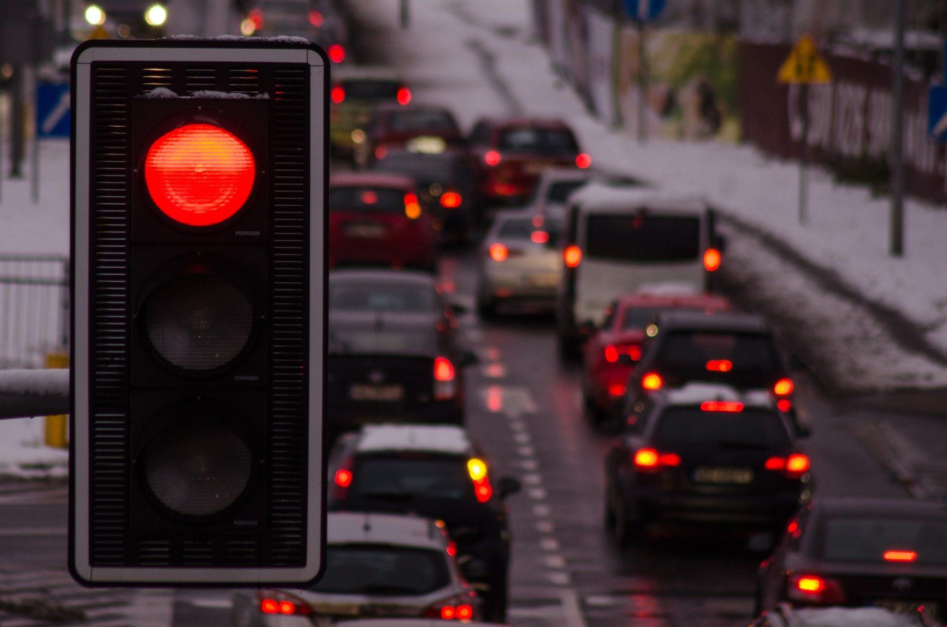 ट्रैफिक लाइट, यातायात, जाम, शहर, कारें - HD वॉलपेपर - प्रोफेसर-falken.com