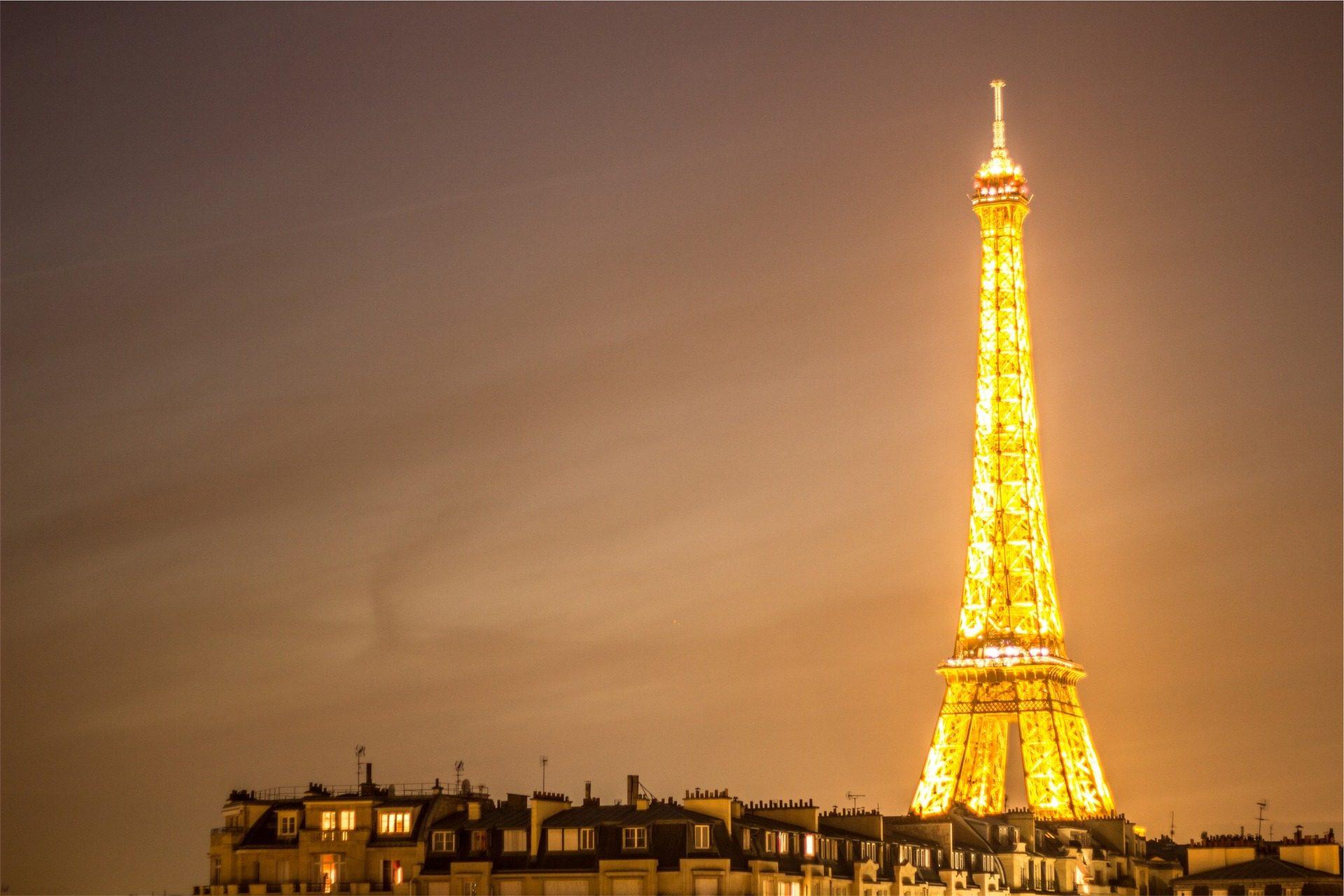 Torre, Eiffel, luzes, iluminado, à noite, Paris - Papéis de parede HD - Professor-falken.com