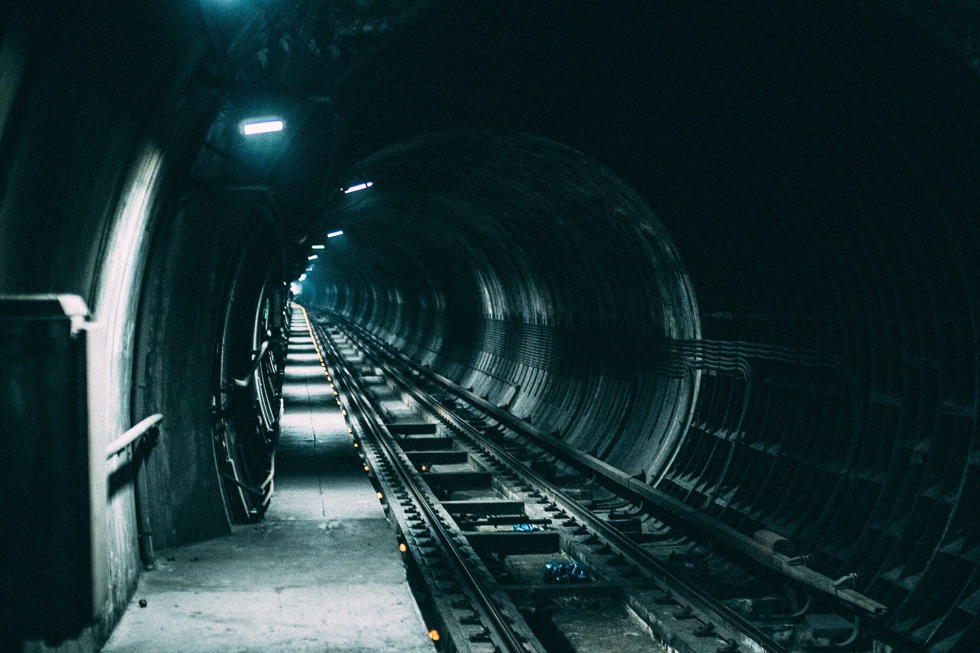 σήραγγα, Andén, μονοπάτια, Μετρό, σκοτάδι, φώτα - Wallpapers HD - Professor-falken.com