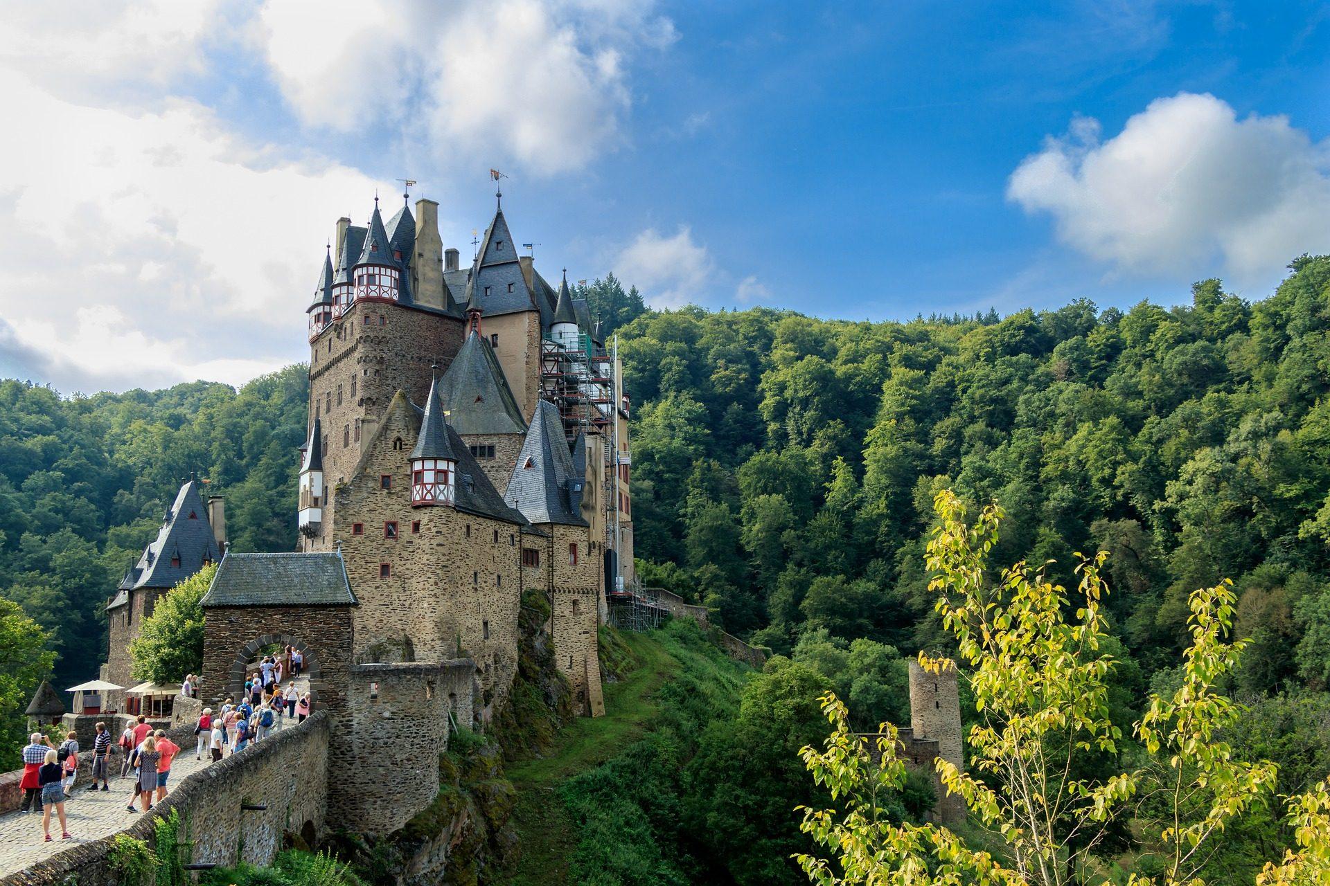 Castelo, Fortaleza, floresta, árvores, Castelo eltz, Alemanha - Papéis de parede HD - Professor-falken.com