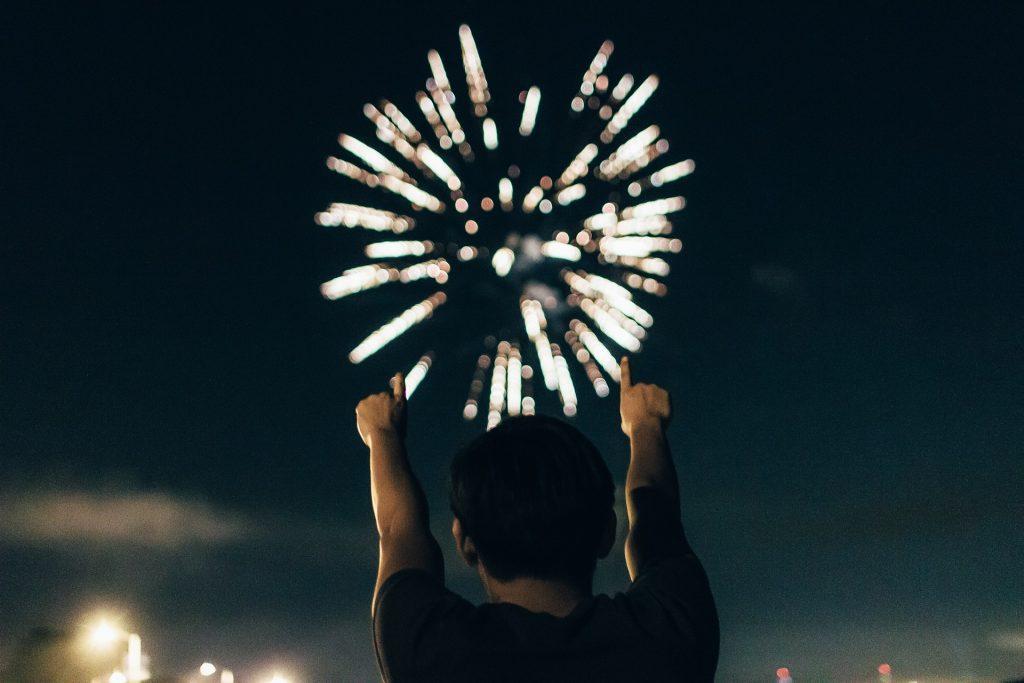 fuegos artificiales, luces, destellos, noche, hombre, 1805162357