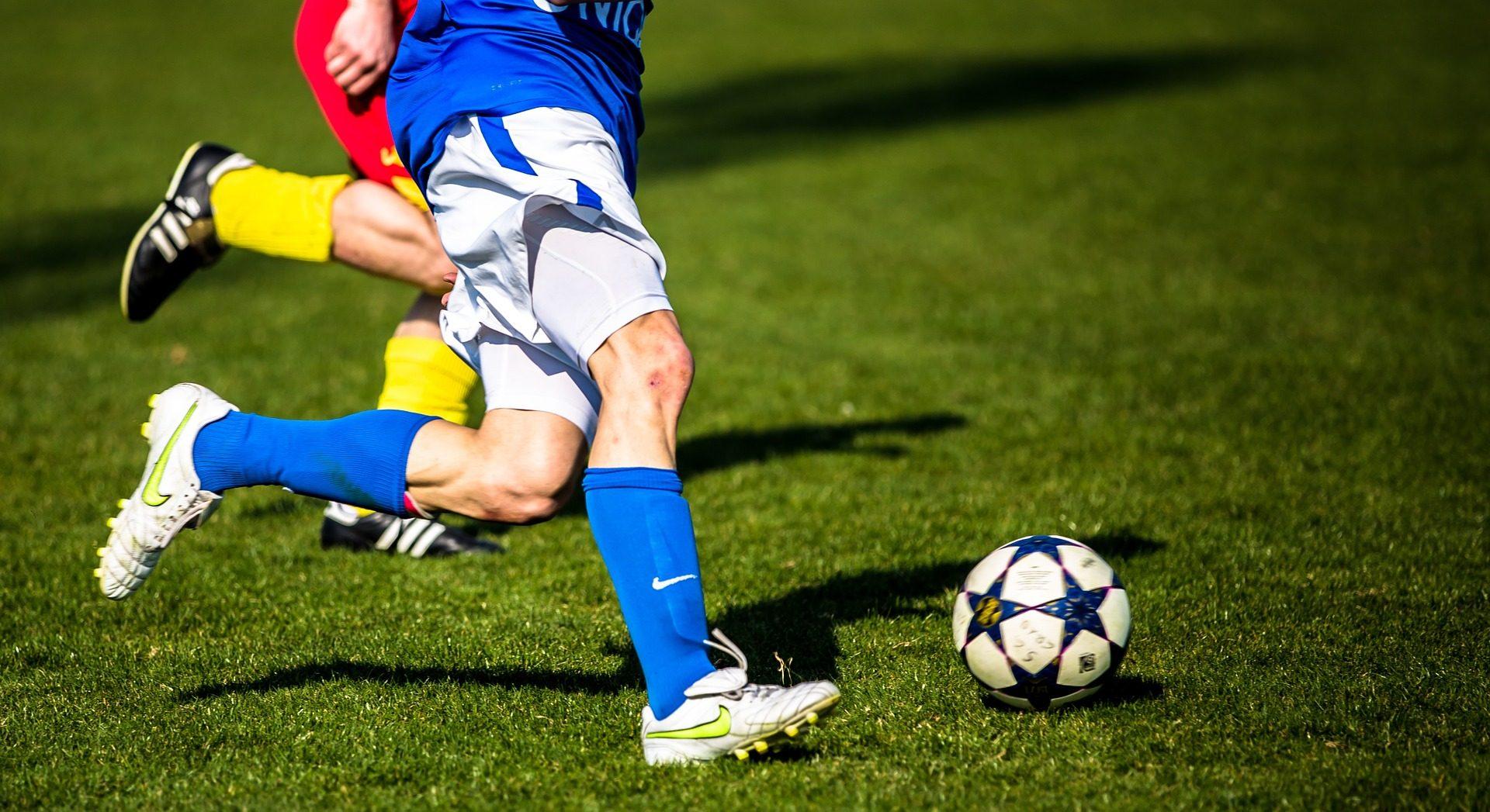 足球, jugadores, 气球, 字段, 草坪 - 高清壁纸 - 教授-falken.com