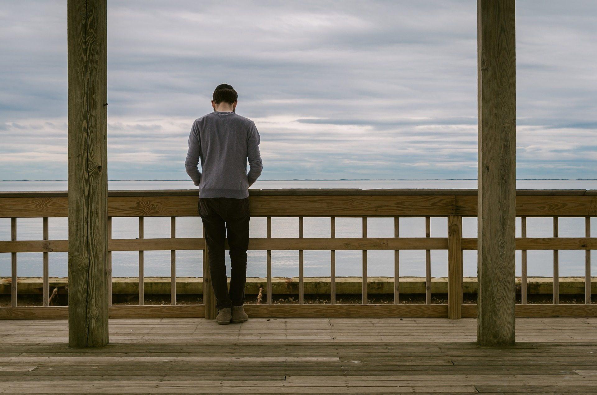 homem, solo de, pensativo, horizonte, Mar, nuvens, Céu - Papéis de parede HD - Professor-falken.com