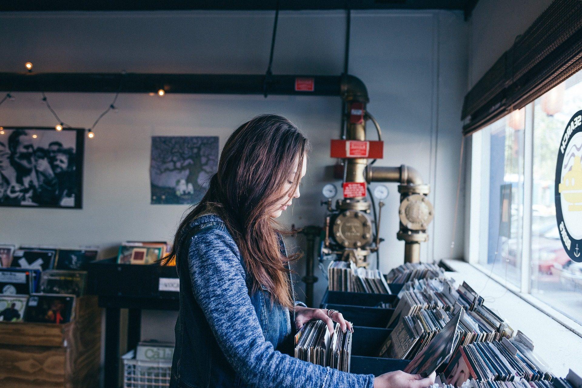 mujer, tienda, música, discos, vinilos - Fondos de Pantalla HD - professor-falken.com
