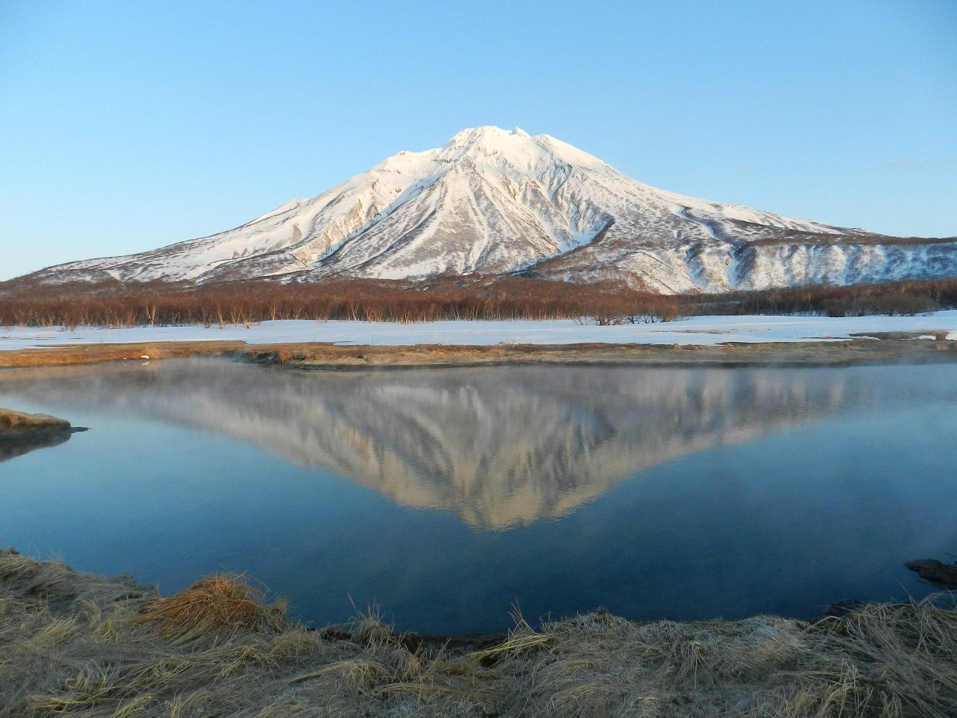 volcán, الجبل, بحيرة, انعكاس, الثلج, العشب - خلفيات عالية الدقة - أستاذ falken.com